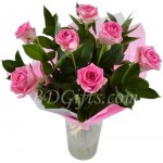 7 pcs pink roses in a bouquet